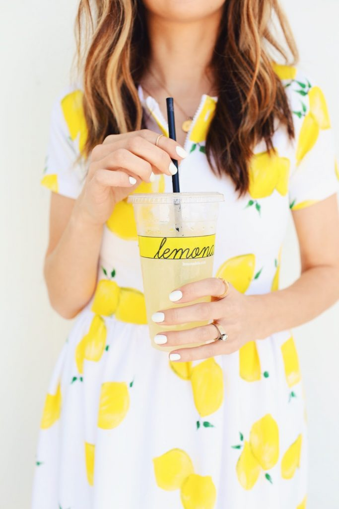 Lemon print fabric pleated dress