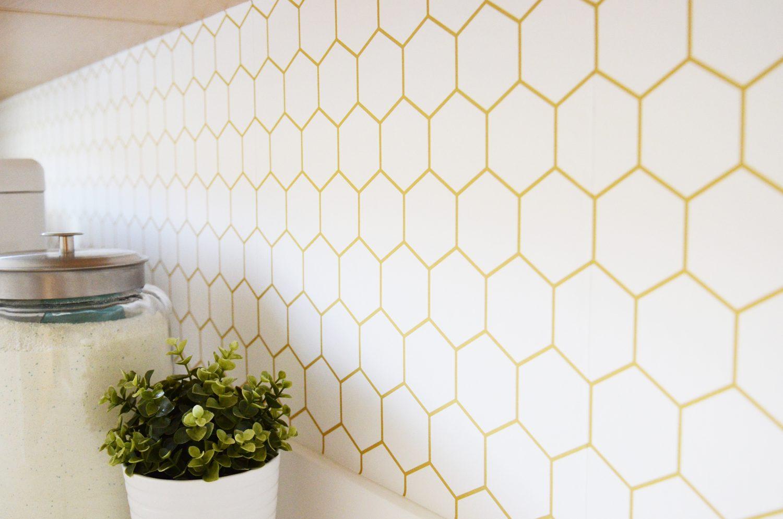 Hexagon Walls Need Love Wallpaper