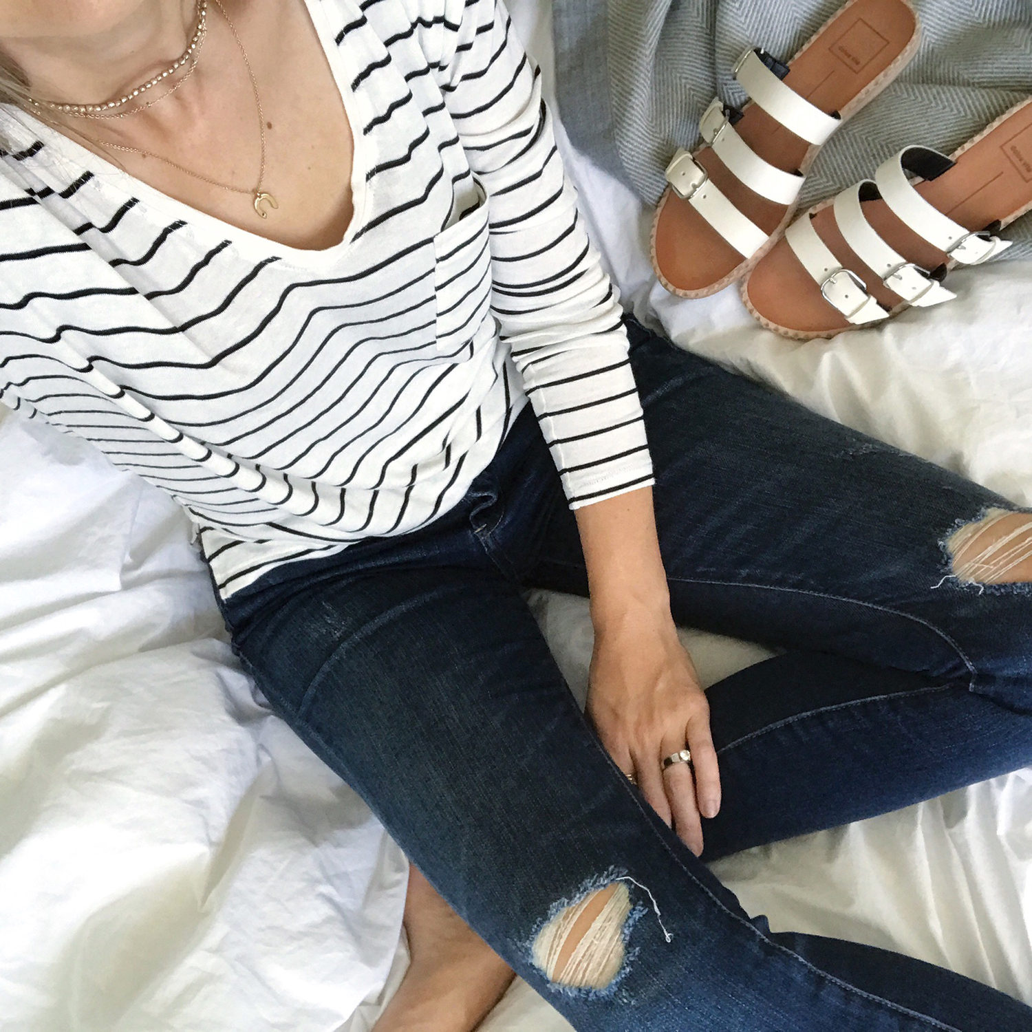 merricksart.com | striped top and ripped skinny jeans