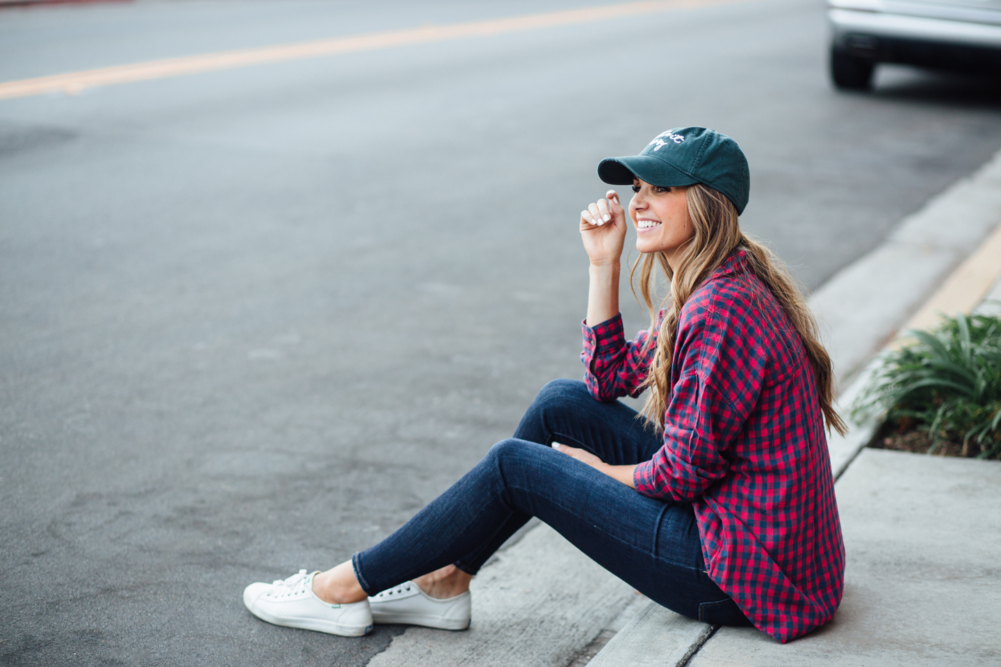 an easy plaid and blue jeans outfit to transition from summer to fall