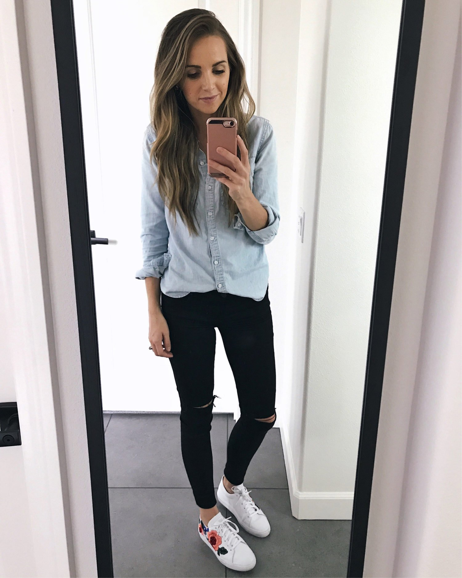 chambray and black skinny jeans | merricksart.com