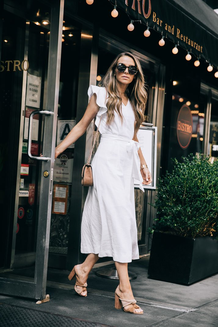 A new york city moment in my white linen dress