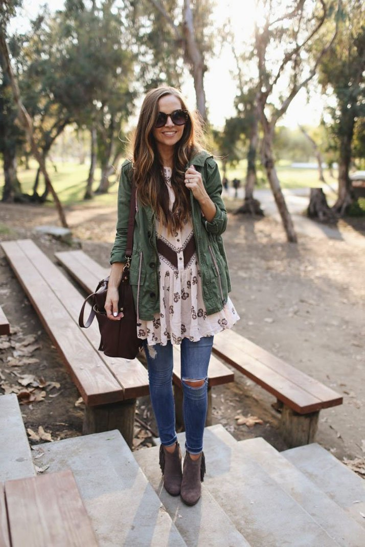 a tunic and skinny jeans makes for an easy fall outfit