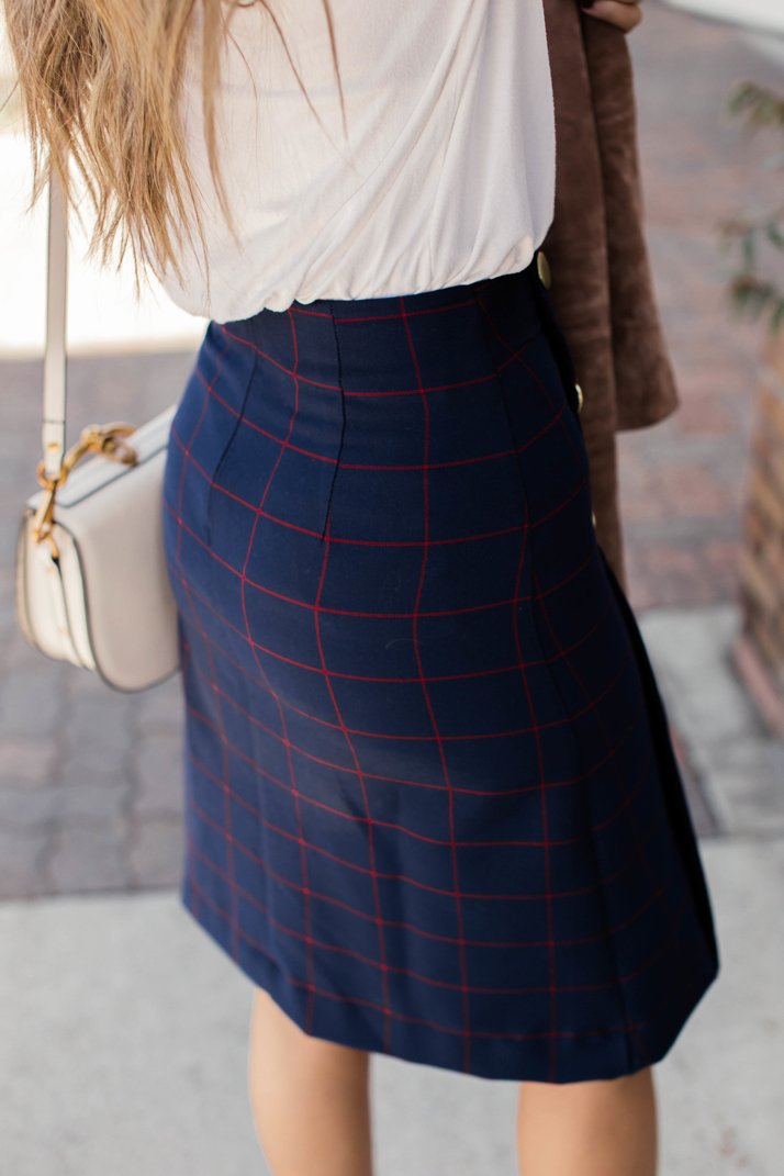 d3044bb1907a DIY Friday  A-Line Plaid Skirt with Gold Buttons