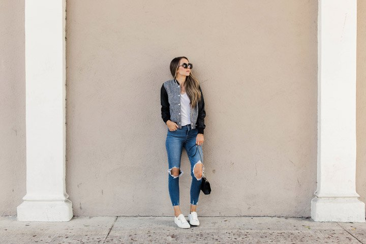 fall momiform with jeans, a t-shirt, and a cute jacket