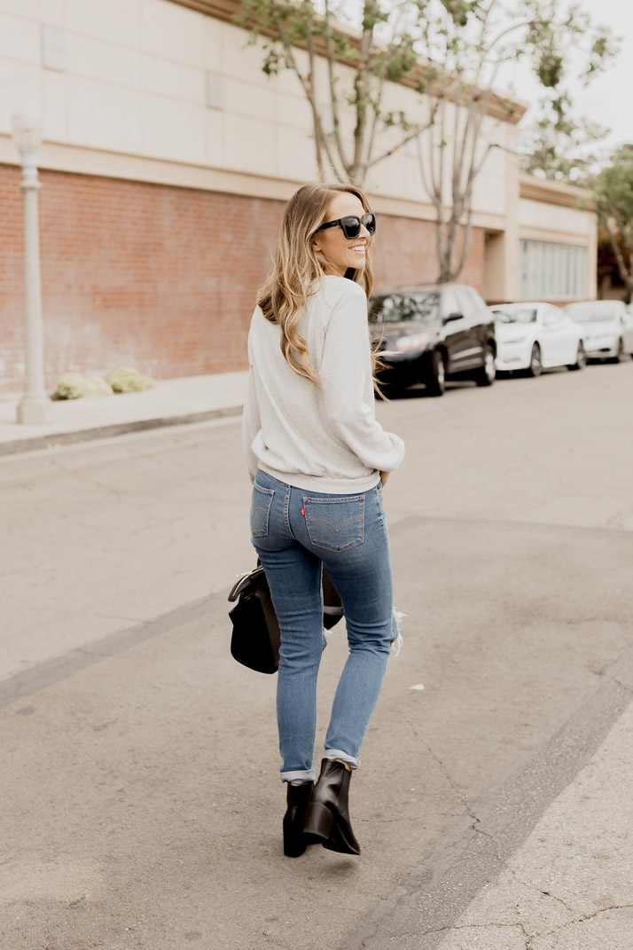 Levi high waisted jeans and black boots