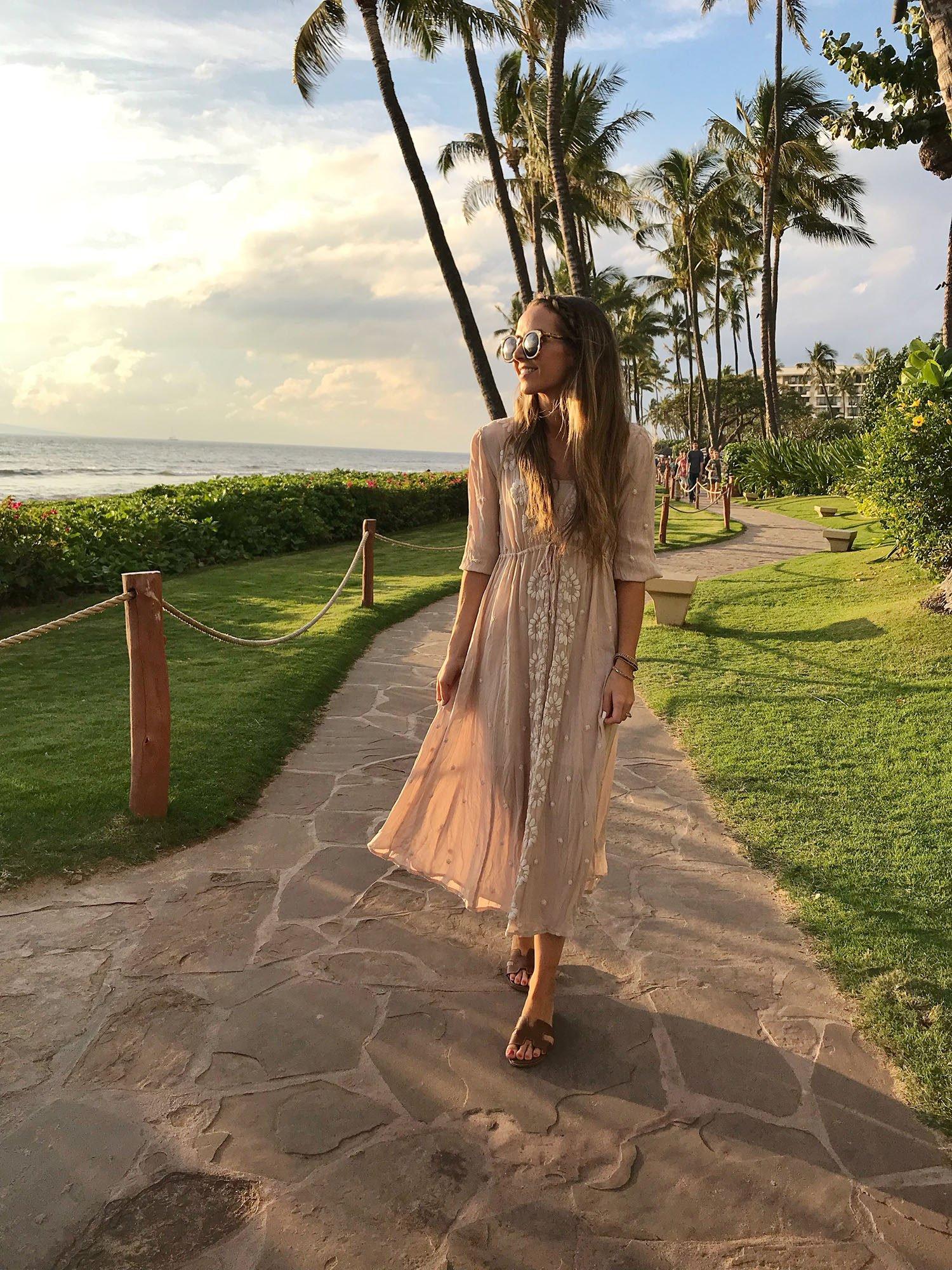 long flowy dress | merricksart.com