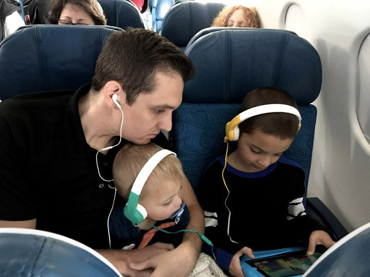 Plane flight on Hawaiian Airlines with our Buddyphones