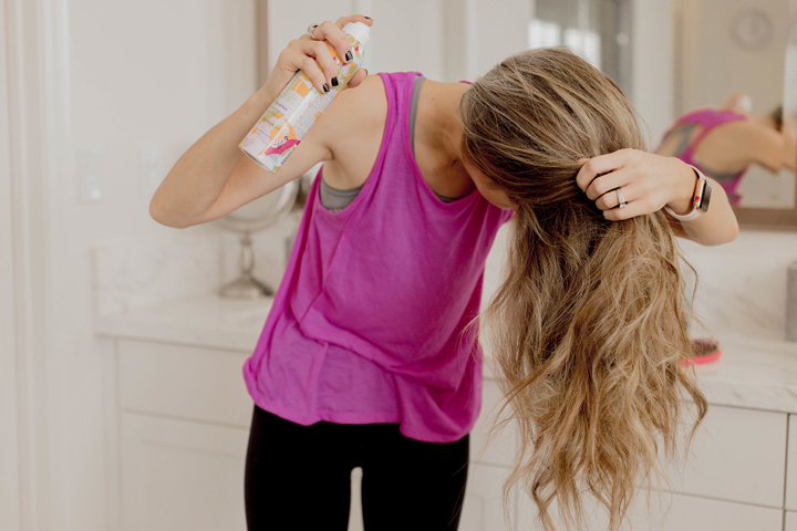 How to properly apply dry shampoo
