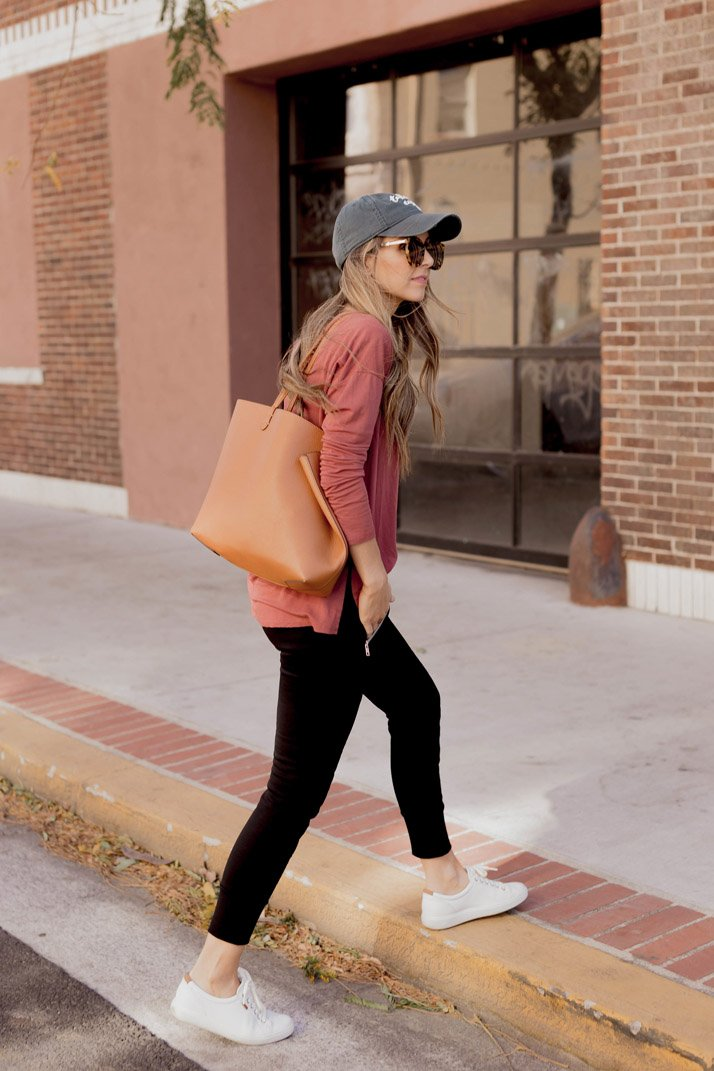 a casual outfit with sincerely jules joggers
