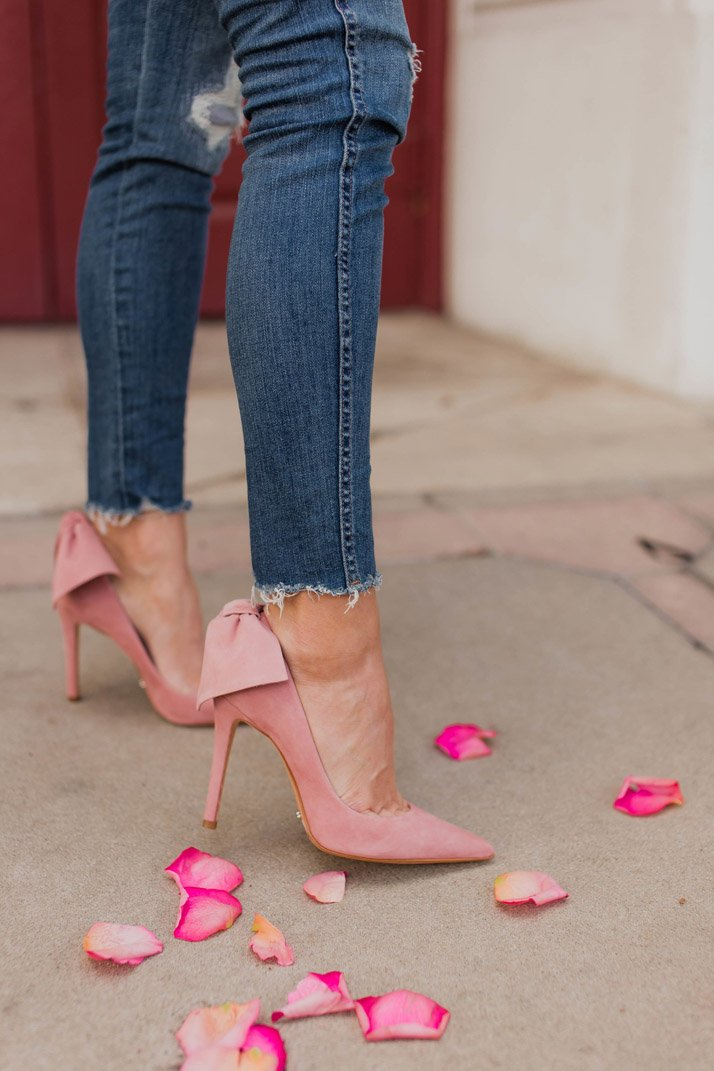 the most gorgeous pink bow heels that are perfect for valentine's day