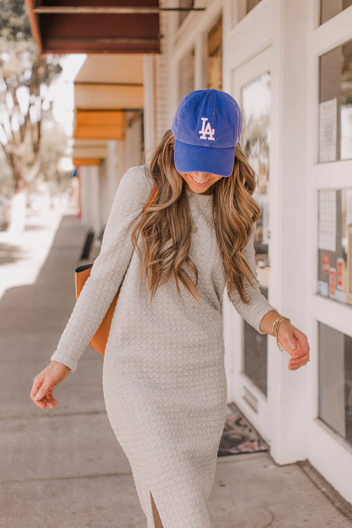 sweatshirt dress and baseballl cap