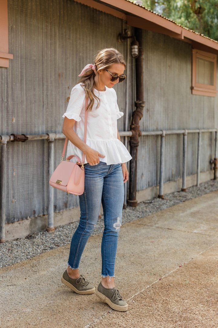 an easy spring outfit with espadrille sneakers