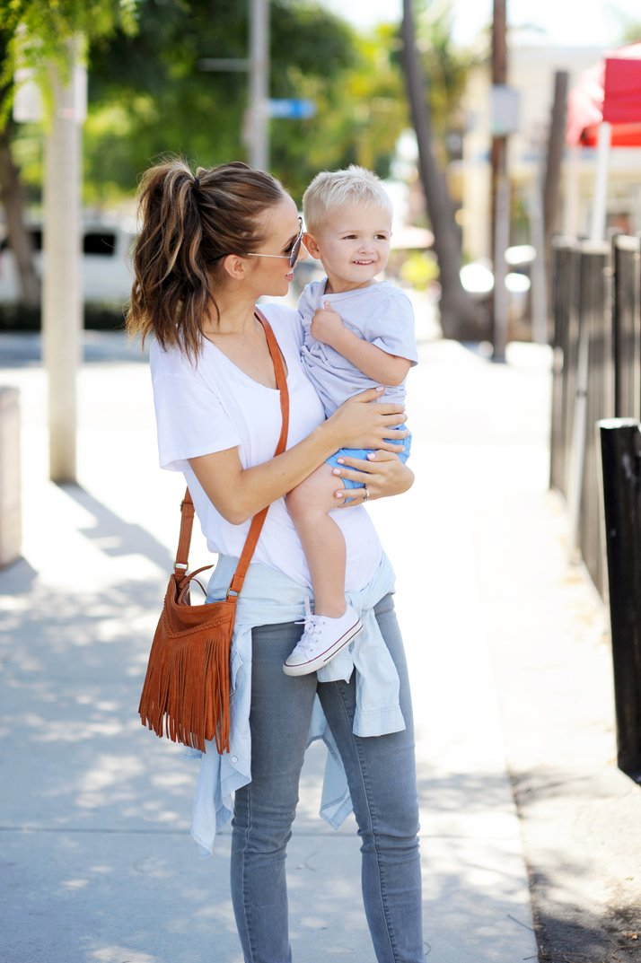this white tee and gray jeans combo is easy and mom friendly!