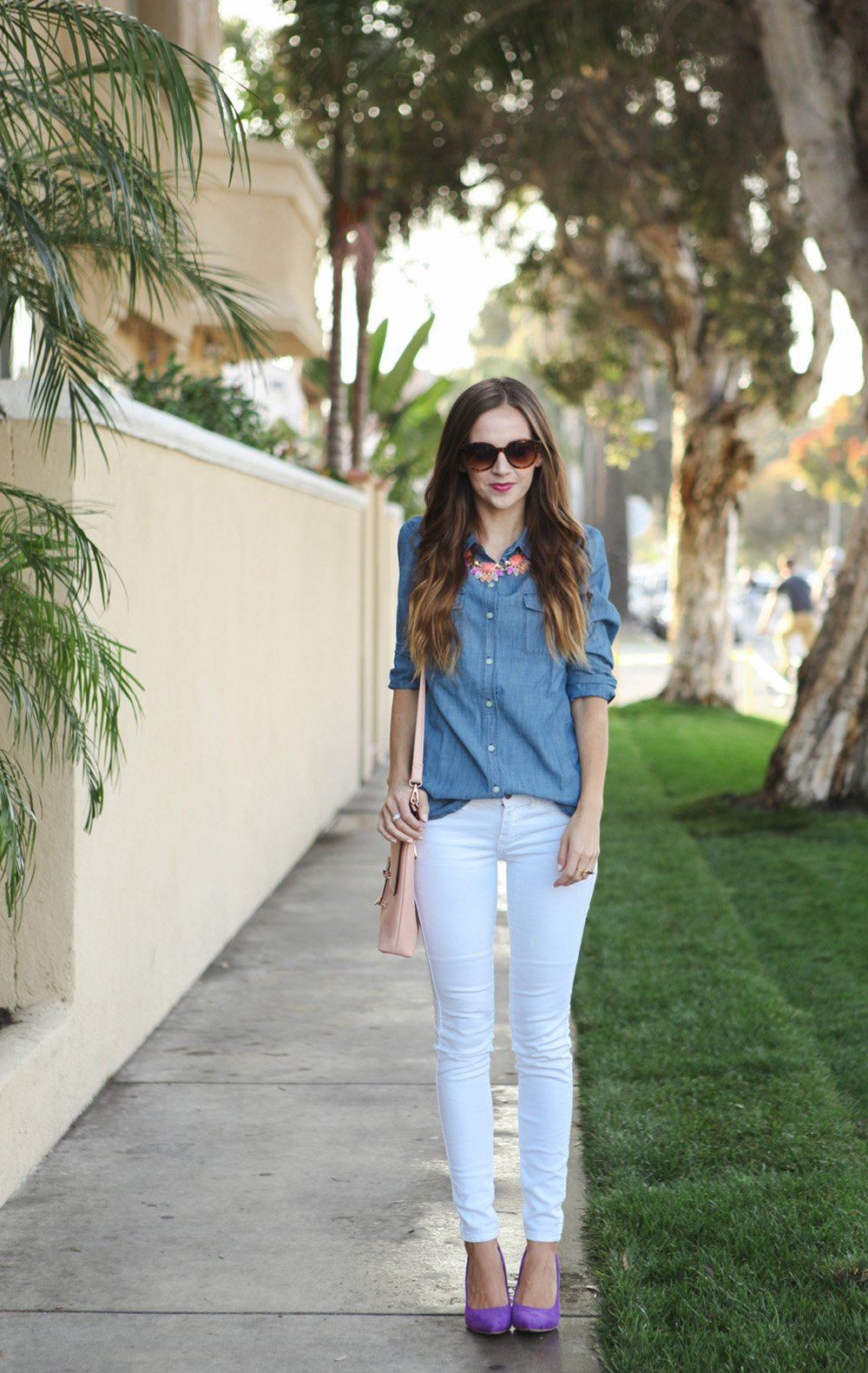 white jeans and chambray shirt