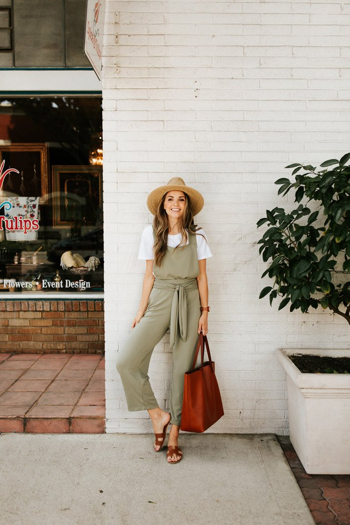 a pretty little jumpsuit you can make yourself