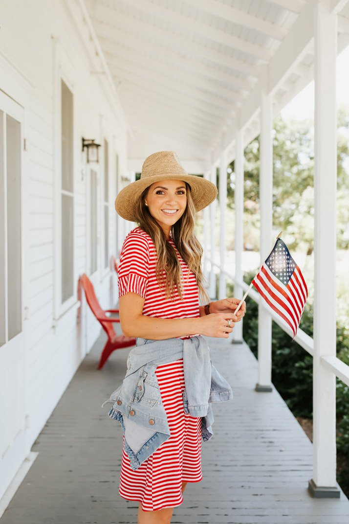 make this easy tee dress for the fourth of july