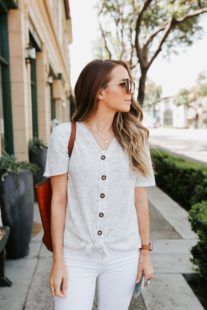 love this cute button down top. Perfect for mom life!