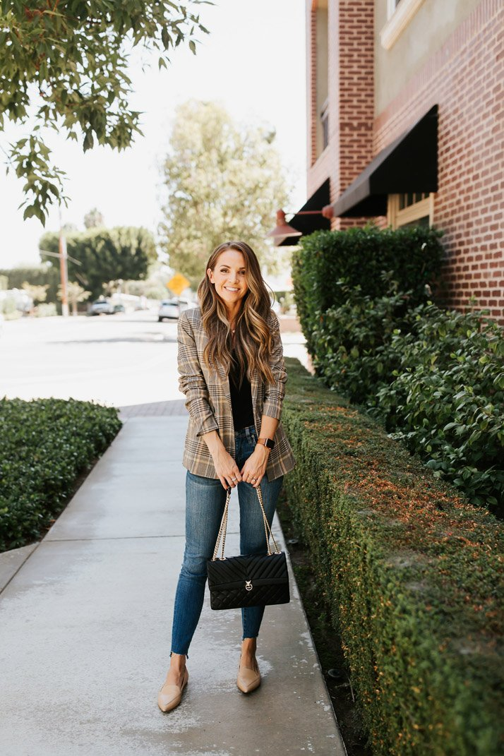 a plaid blazer is so perfect for fall as a lightweight layer
