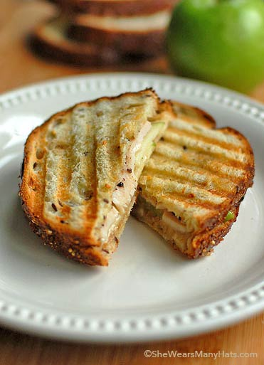 turkey brie apple sandwich