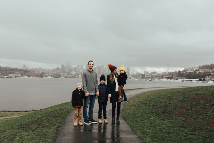 these seattle washington skyline family photos are gorgeous