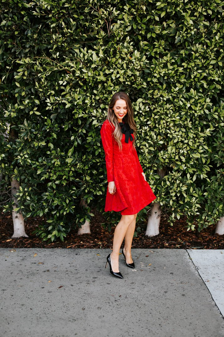 learn how to sew this red dress for christmas