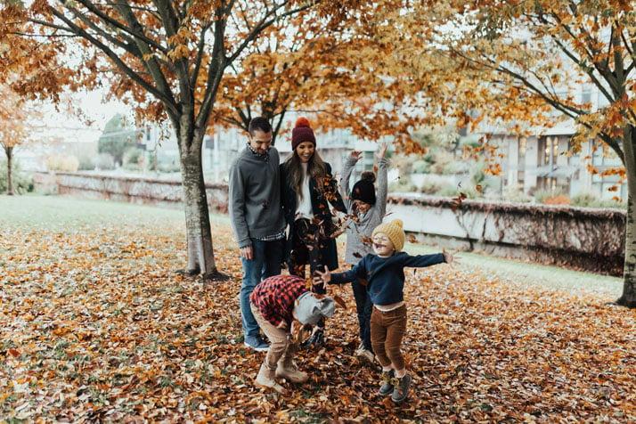 these destination family photos in seattle washington are stunning