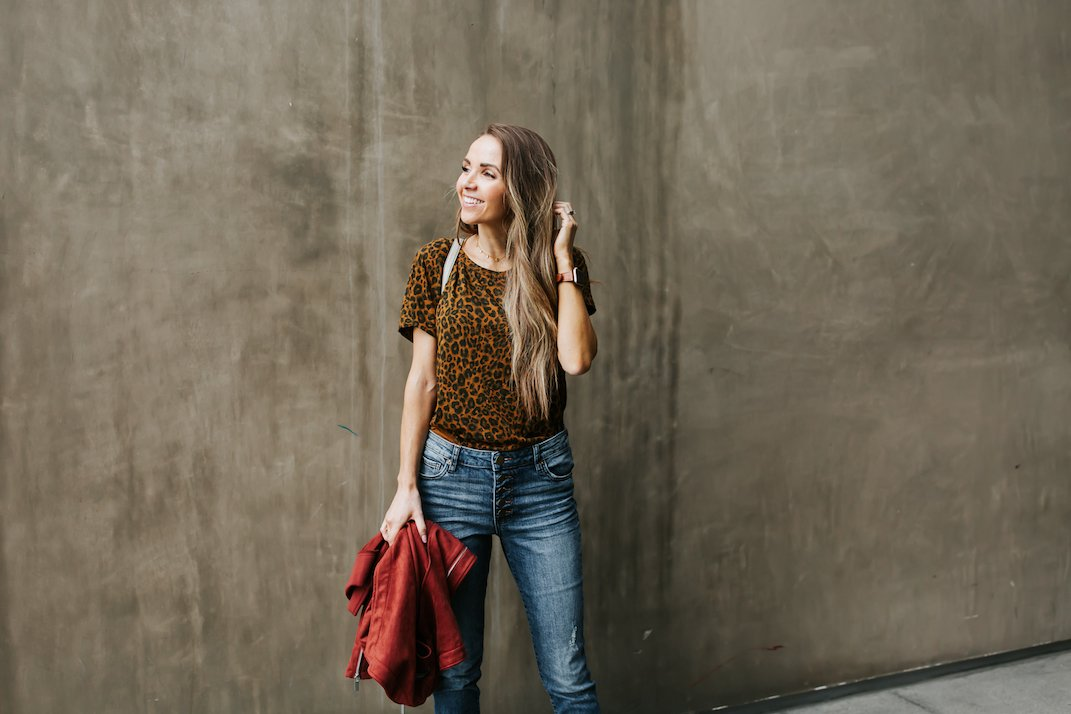 this leopard tee and cute button up jeans came in my stitchfix box!