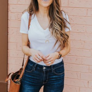 the best white tee everlane v-neck