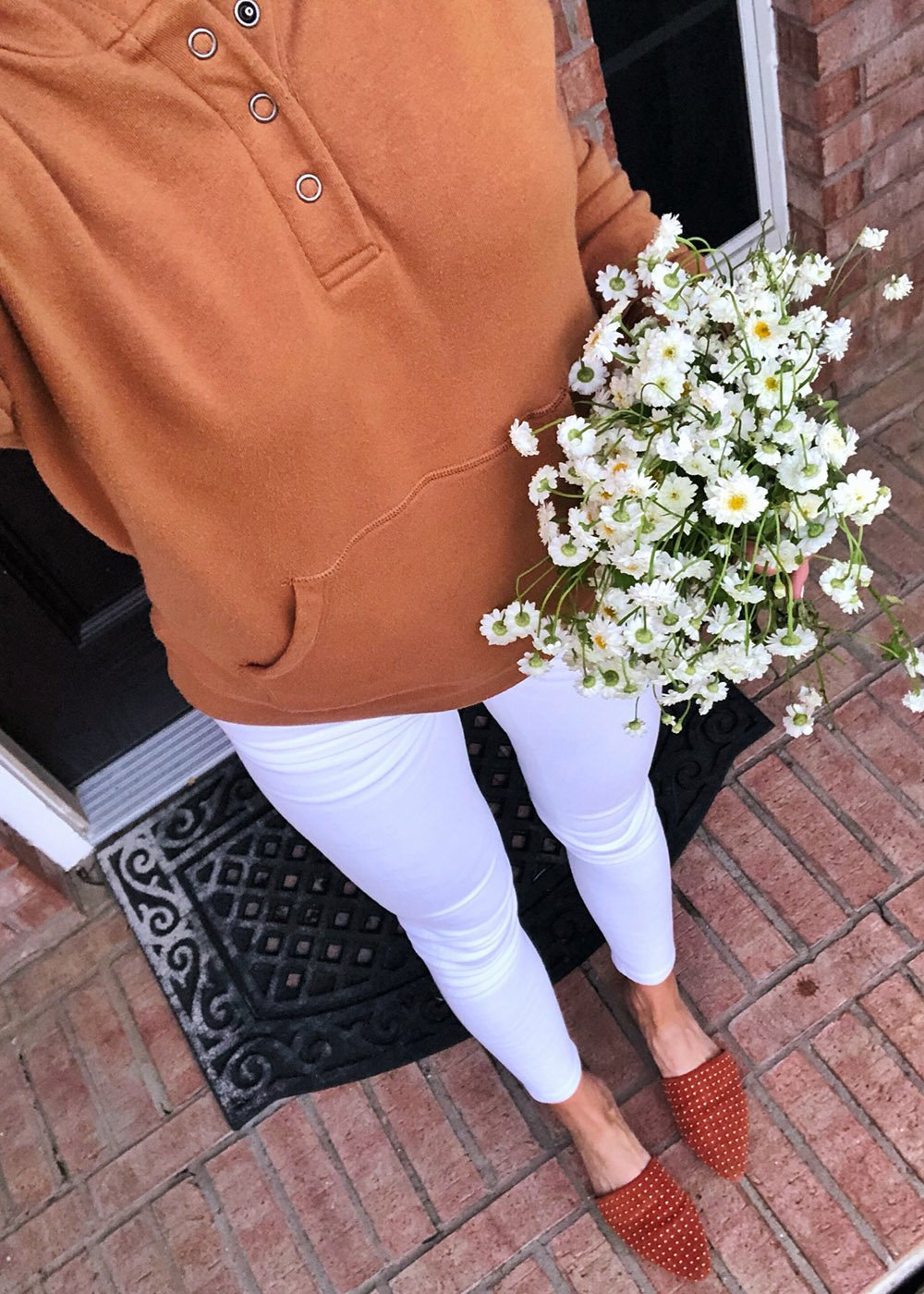 the perfect white jeans | instagram outfits