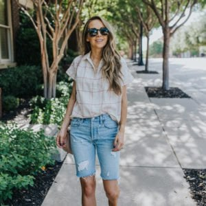 bermuda shorts outfit idea with madewell top