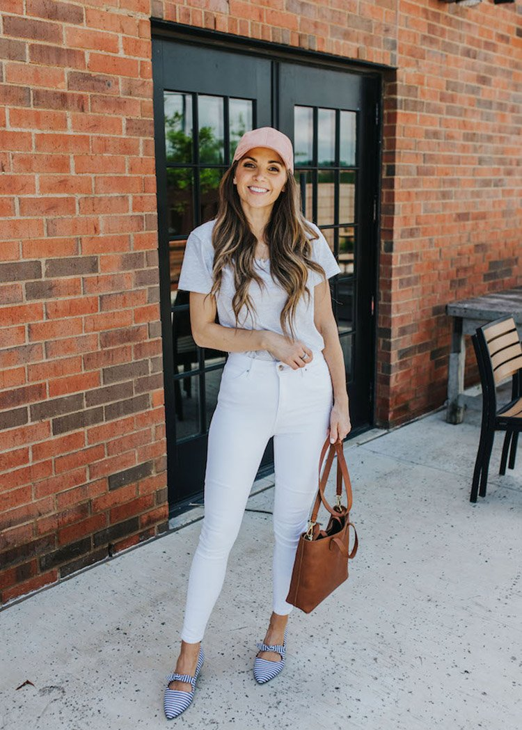 white jeans and gray tee outfit