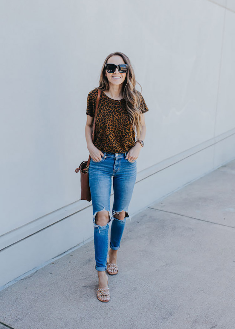 leopard tshirt and jeans outfit