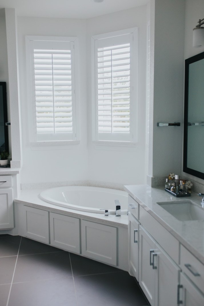 budget blinds master bathroom