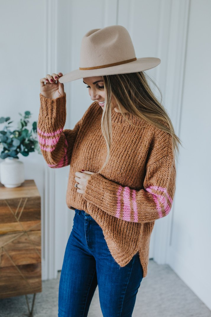 mott and bow jeans and aerie sweater for fall