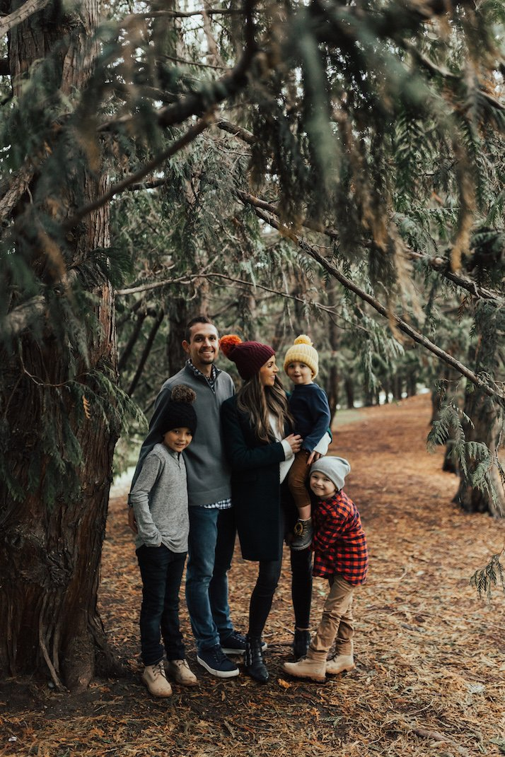 dark tones for family photos