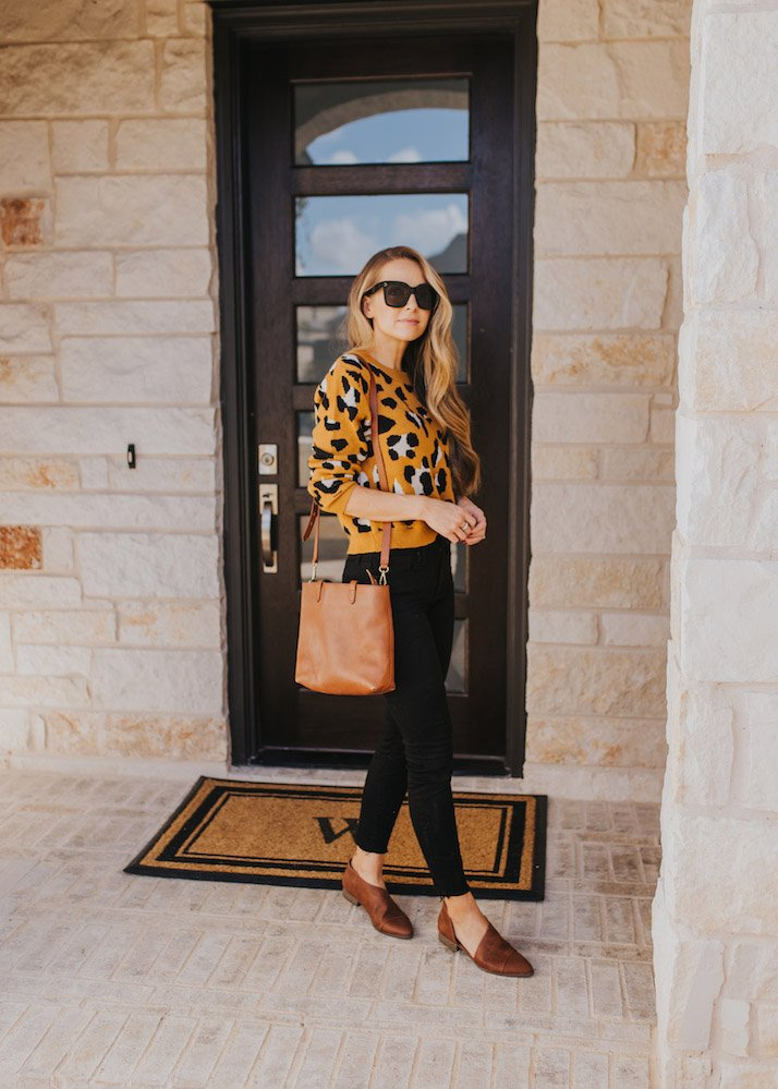 Cute outfits with black jeans - leopard sweater and black jeans
