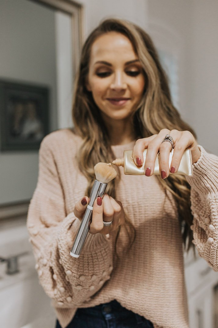flat round makeup brush and jane iredale bb cream in bb6
