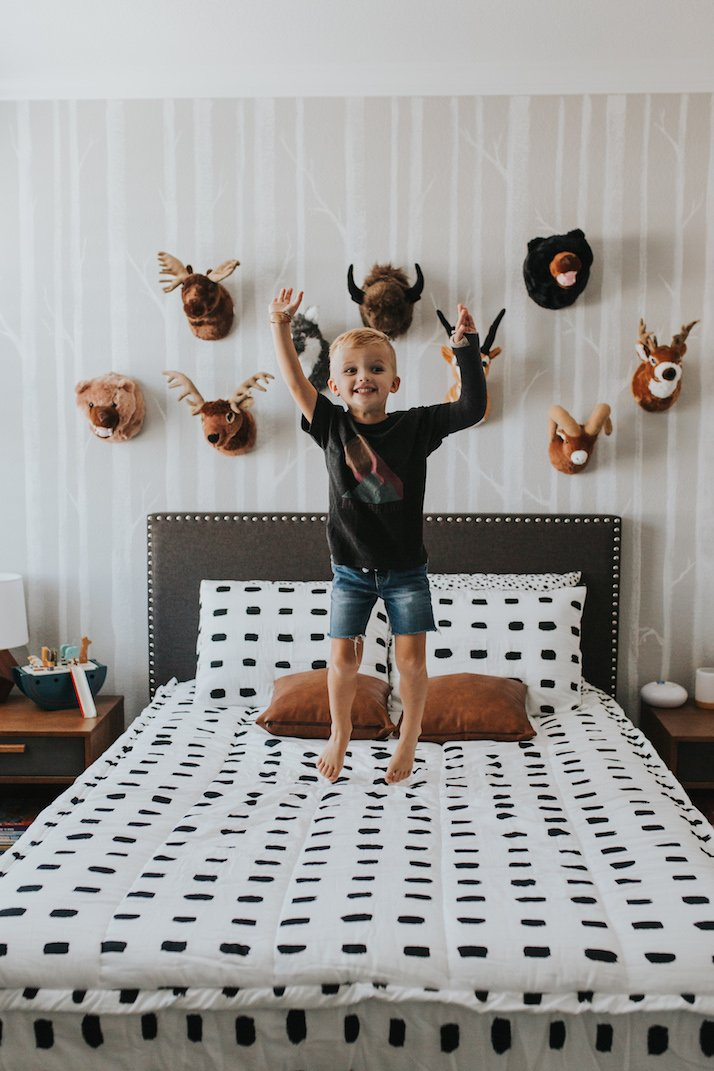 boys room woodland theme