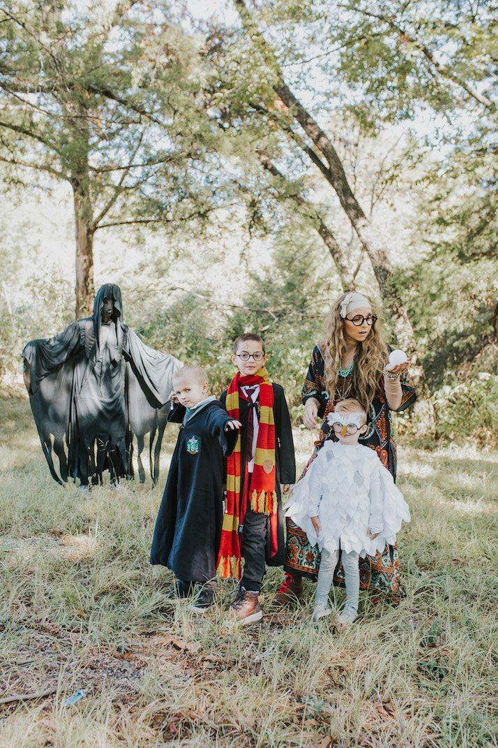 family dressed as harry potter for halloween