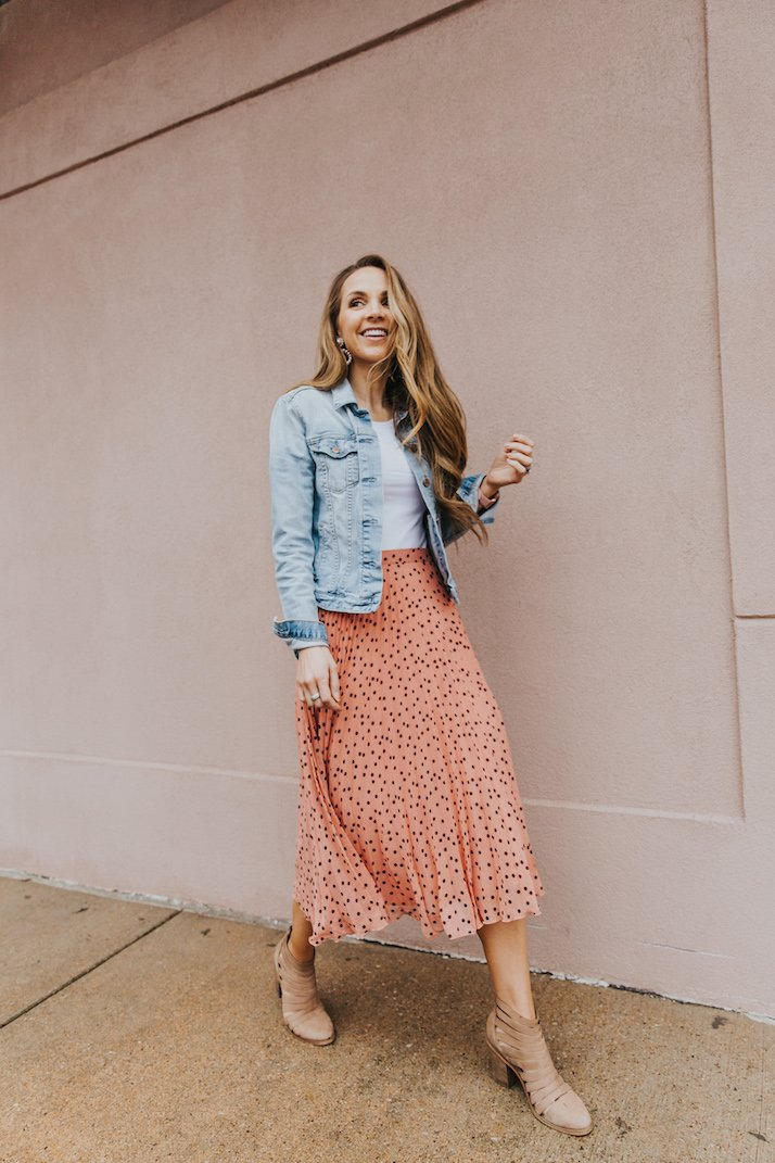 pleated pink skirt with denim jacket