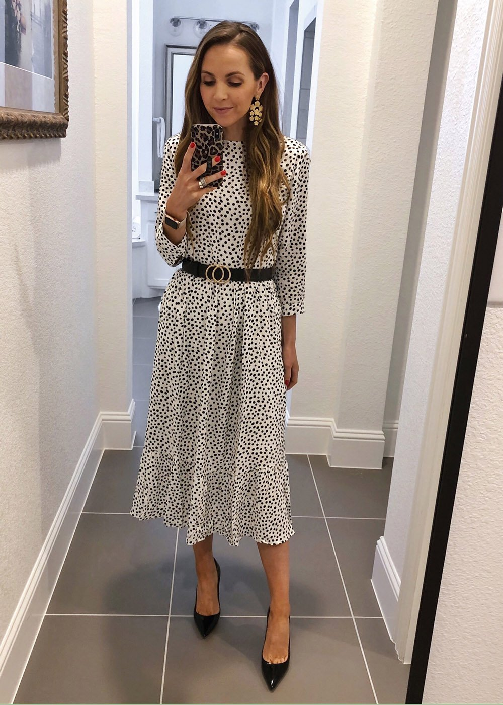 instagram outfits - White polka dot midi skirt