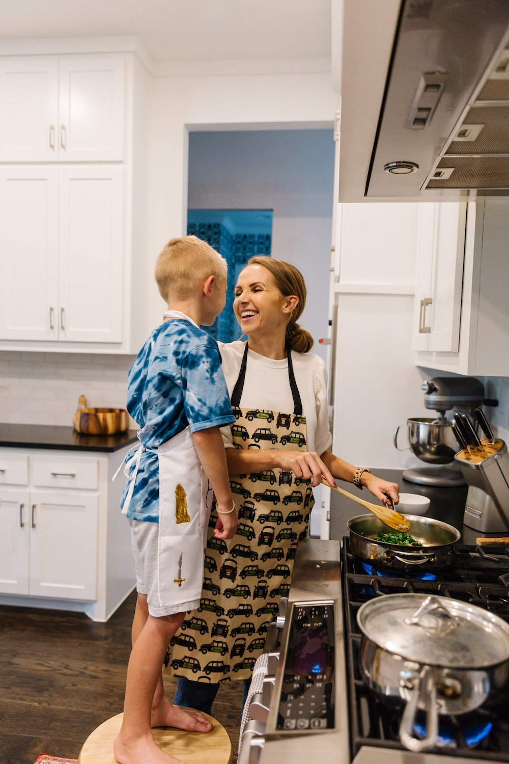 Blue apron cooking with kids - cooking on the stove