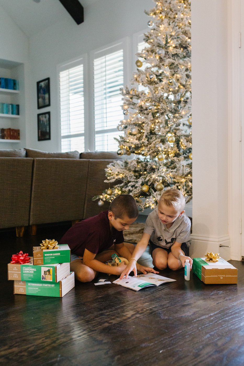 kiwi co boxes for kids make the best Christmas gifts!