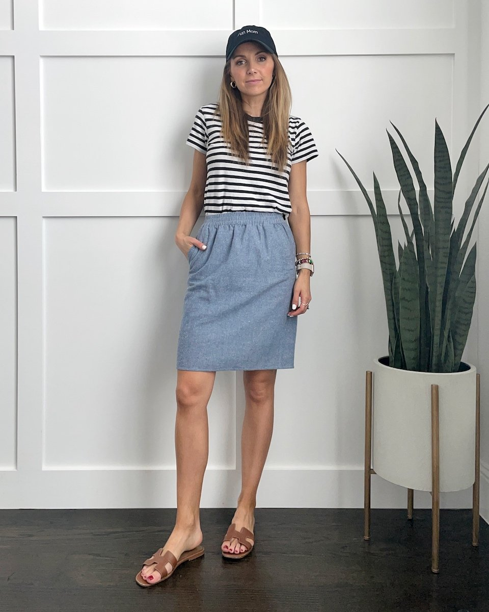 striped tees with denim skirt