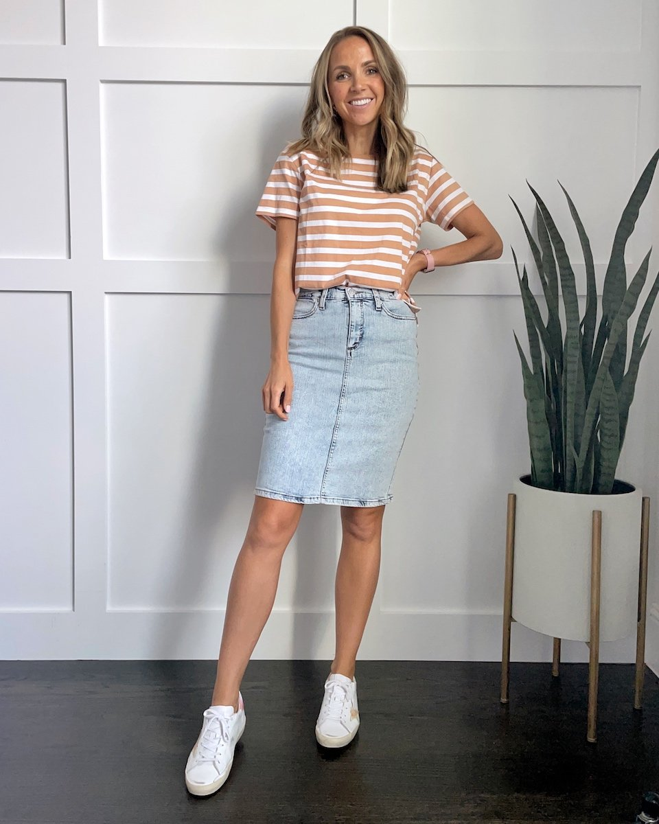 Denim skirt with tee and sneakers