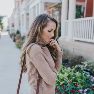 15 Cozy Pullover Sweaters that are Perfect for Fall